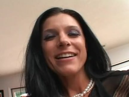 India Summer is a damn hot MILF